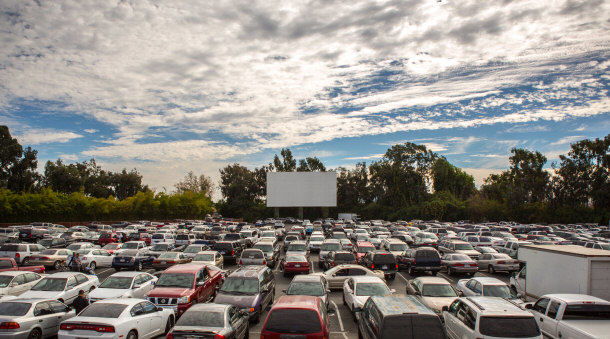 Top 15 most amazing movie theaters in the united states for Drive in movie theaters still open