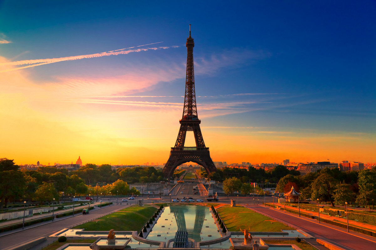 15 fascinating facts about the eiffel tower for Design hotel eifel